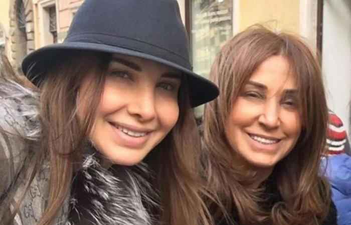 بالصور: والدة نانسي عجرم تبدو وكأنها شقيقتها!