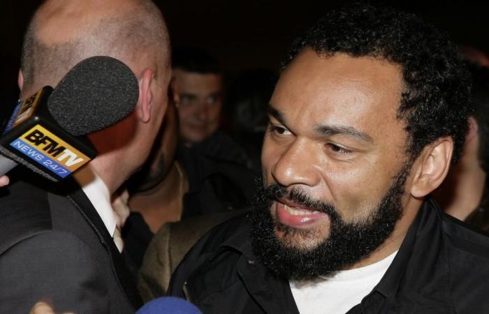منع عرض الفكاهي الفرنسي ديودونيه في الجزائر