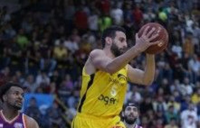 فوز سهل للرياضي على بيروت في نصف نهائي دوري السلة