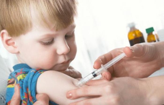 وزارة الصحة تؤكد: كلنا مسؤولون عن حماية أطفالنا باللقاح 