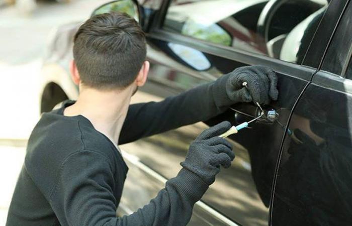 سرقة سيارة في زحلة