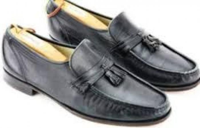 حذاء ميكل جاكسون للبيع بسعر خيالي!