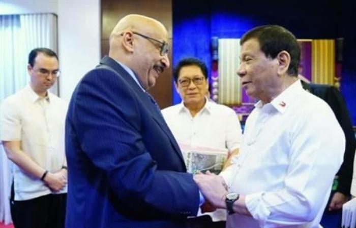 الكويت تطرد السفير الفيليبيني وتستدعي سفيرها من مانيلا
