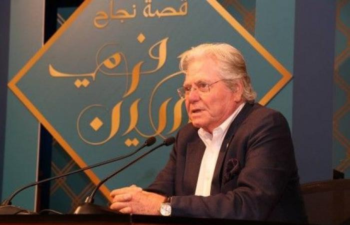 """بالصور.. جامعة بيروت العربية تكرّم """"حسين فهمي"""""""