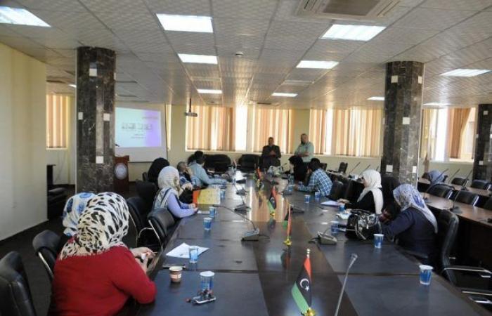 إدارة الموارد البشرية بوزارة التعليم تفتتح دورة تدريبية لتنمية المهارات الإدارية