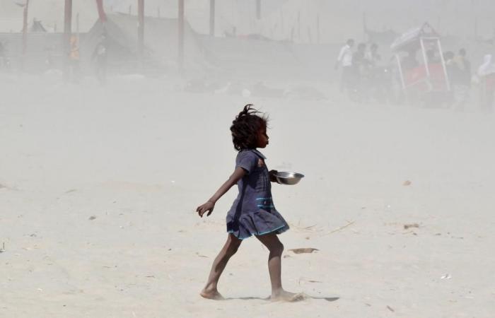 مئات الضحايا بعاصفة رملية تضرب شمال الهند