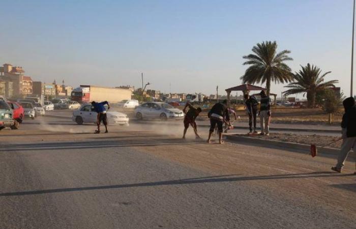 بلدية بنغازي تواصل أعمال النظافة بـ«المدخل الشرقي»