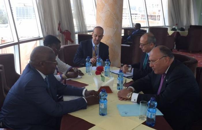 شكرى ونظيره الأوغندي يعقدان مشاورات سياسية بالقاهرة