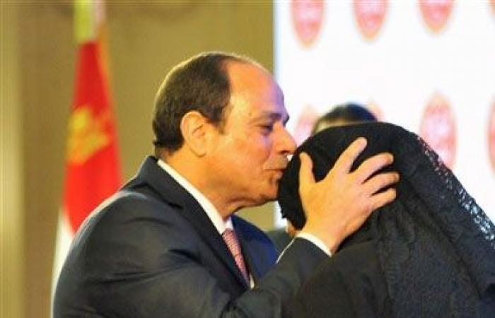 «السيسي»: ألتقي أسر الشهداء صباح يوم العيد للاحتفال بهم