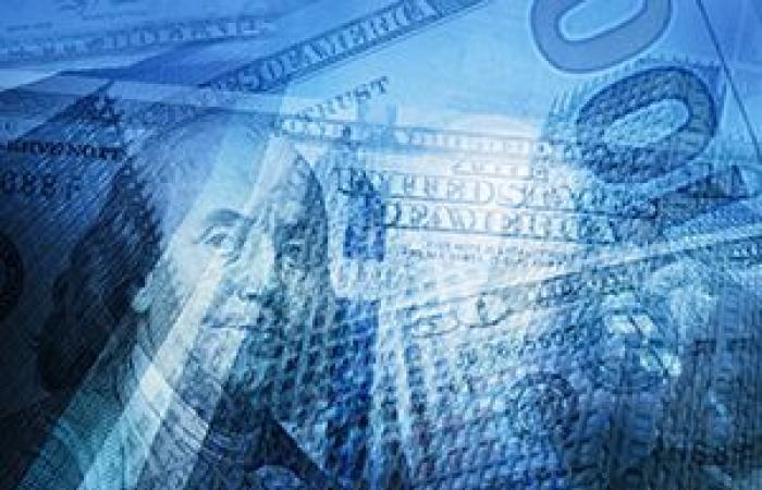 الدولار الأمريكي يوسع مكاسبه لأعلى مستوى فى 5 أشهر بفعل ارتفاع عوائد السندات