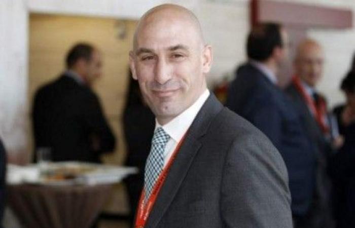 لويس رويباس يفوز برئاسة الاتحاد الاسباني لكرة القدم