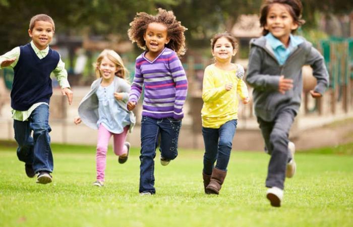 لماذا يستعيد الأطفال نشاطهم أسرع من البالغين؟