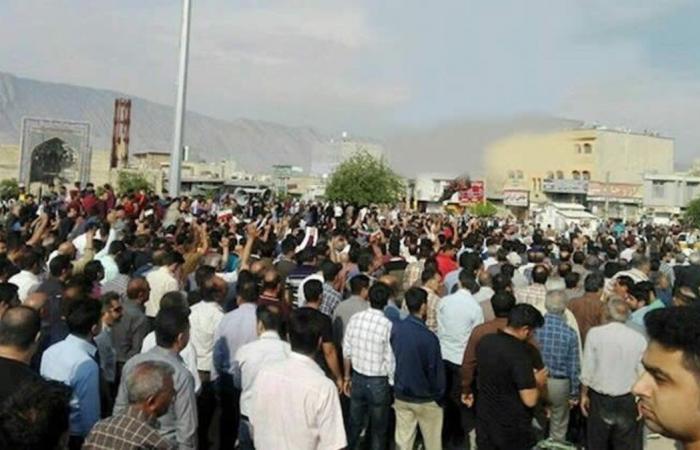 إيران تعترف بمقتل شخصين في احتجاجات كازرون