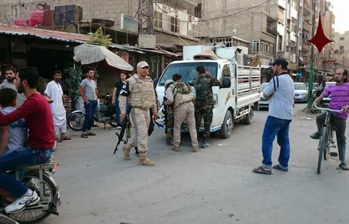 صور مذلّة لمقاتلي الأسد بعدما اعتقلهم الروس بجرم سرقة!