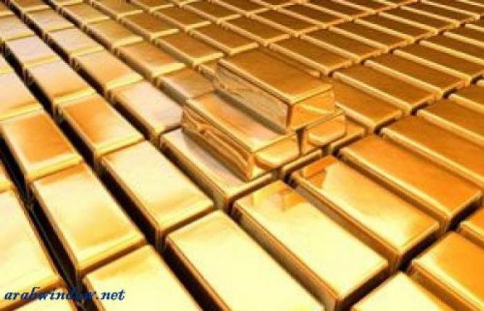 الذهب دون تغير يذكر وسط دولار مرتفع بفعل توقعات الفائدة