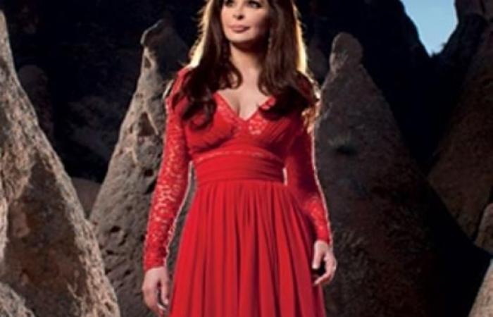 الأحمر الجريء خيار النجمات في الحفلات والمهرجانات.. من ارتدته بشكل أفضل؟