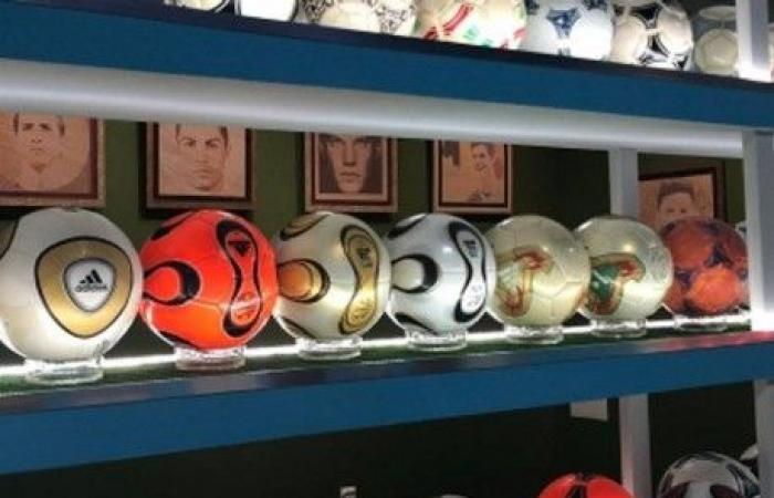 متحف يضمّ 800 كرة قدم