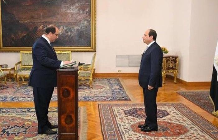 من هو عباس كامل رئيس المخابرات المصرية الجديد؟