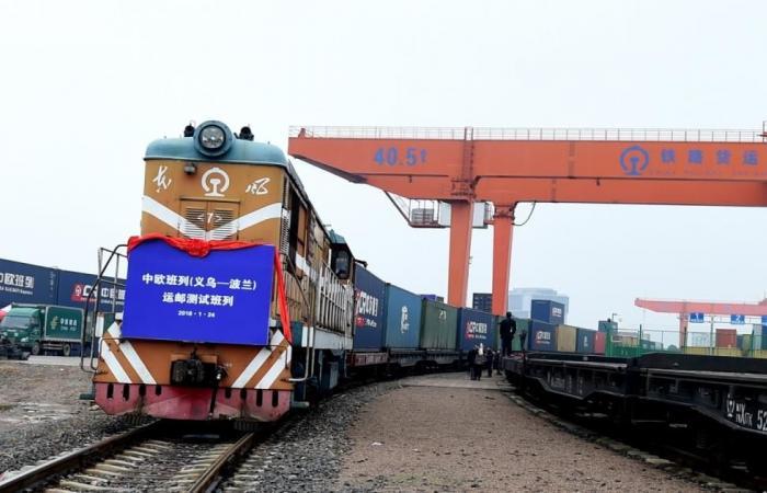 """""""قطار الحرير """" الصيني إلى موسكو بطول 8800 كلم"""