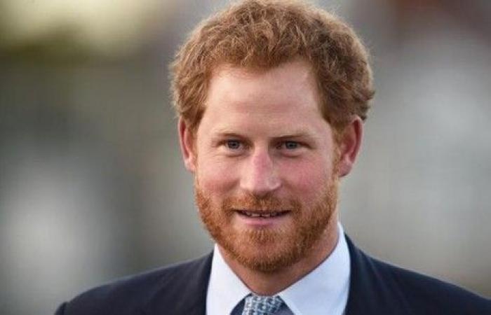 بالصورة ـ هدية غريبة من الأمير هاري لإبن أخيه يوم عمادته