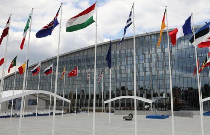 الناتو قلق من نشاطات إيران المزعزعة للاستقرار بالمنطقة