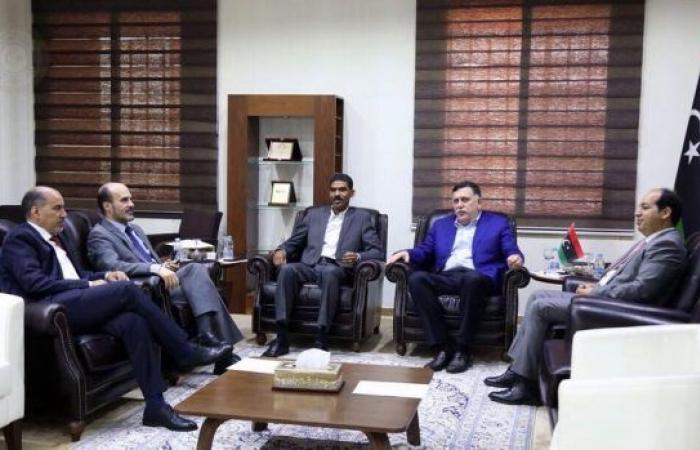 المجلس الرئاسي يعقد اجتماعاً لبحث برنامج «الإصلاح الاقتصادي»
