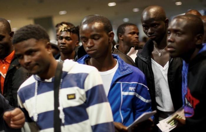 مرسوم بإسبانيا سينهي مأساة آلاف المهاجرين