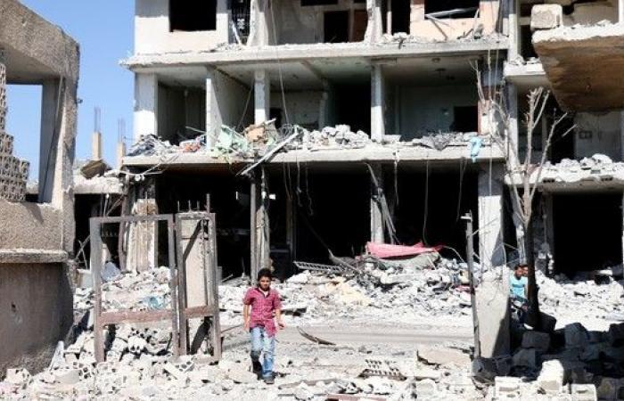 """نظام الأسد يشن قصفا """"هيستيريا"""" على درعا"""