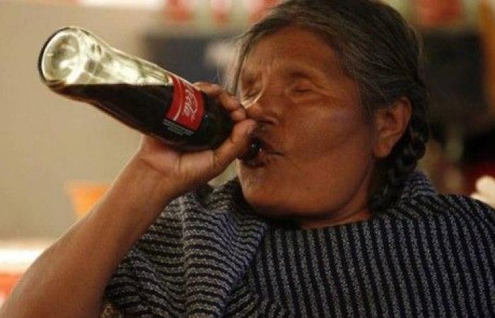 سكان هذه البلدة يشربون الكوكاكولا بديلاً عن المياه!