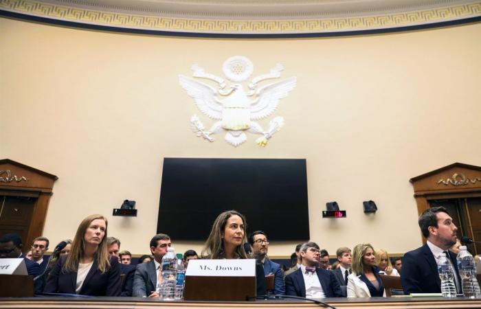 الكونغرس يوجه أسئلة إلى فيسبوك وتويتر ويوتيوب حول إيقاف الحسابات