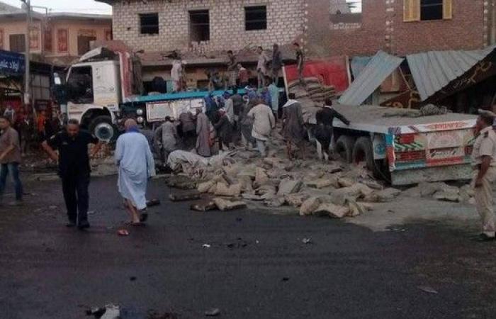 مصر.. شاحنة اقتحمت منزلاً وكافتيريا فقتلت 12 وأصابت 28