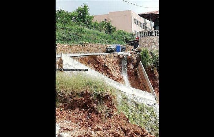 إنهيار حائط دعم الطريق العام في طاران ـ الضنية
