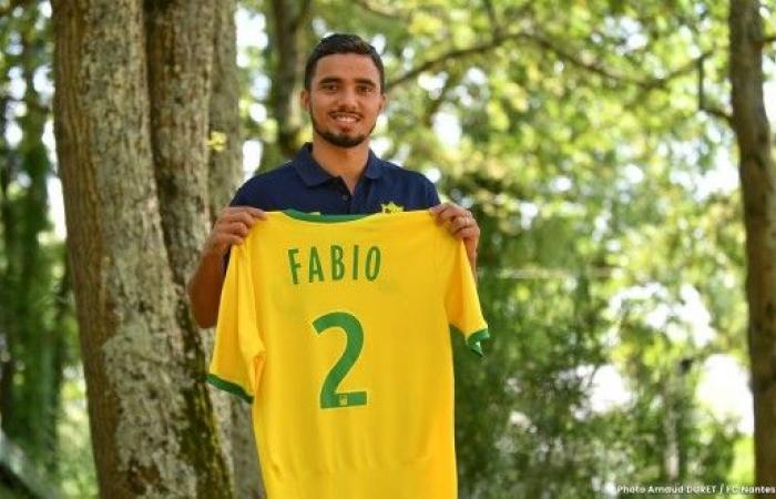 الظهير البرازيلي فابيو ينتقل إلى نانت الفرنسي