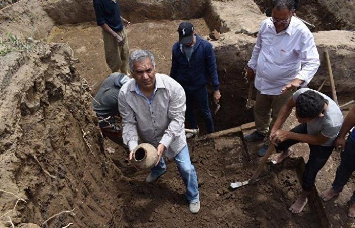 مصر... الكشف عن أقدم ورشة لصناعة الفخار في الدولة القديمة (صور)