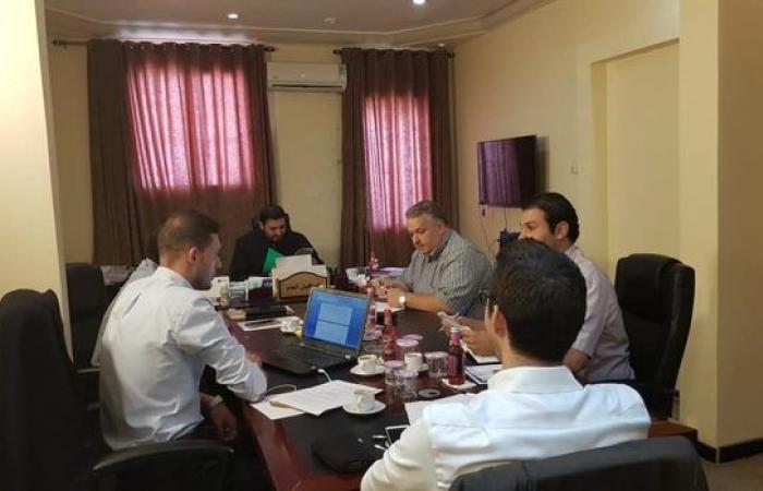 البيضاء.. وكيل وزارة الاقتصاد والصناعة يناقش سبل الإسراع في إنشاء المنطقة الحرة «المريسة»
