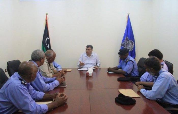 وزير الداخلية المفوض يجتمع مع مدراء الأمن بالجنوب