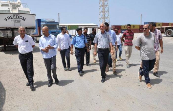 مدير الإدارة العامة لأمن السواحل في زيارة «تفقدية» لميناء طرابلس البحري