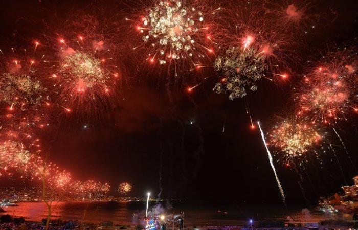 بالفيديو.. مهرجانات جونيه الدولية انطلقت بعرض رائع للألعاب النارية
