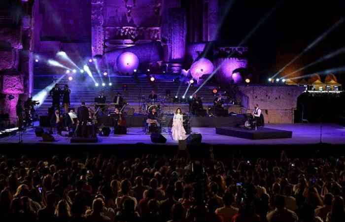 بالفيديو.. بعلبك تتذكر أم كلثوم في افتتاح مهرجاناتها الدولية