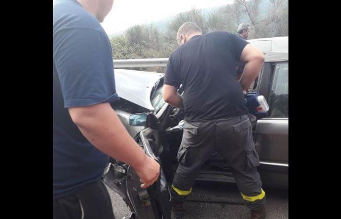 بالصورة: 3 جرحى في حادث سير في جبيل