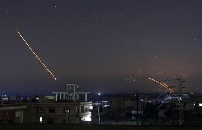إعلام النظام السوري: غارات إسرائيلية غرب حماة