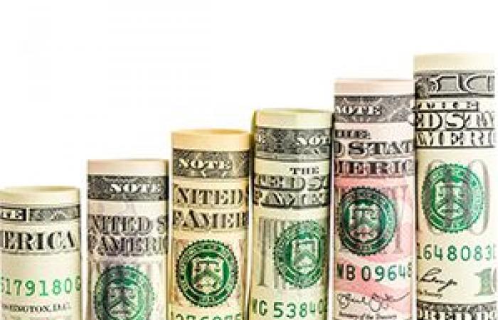 الدولار يقفز لأعلى مستوى فى 13 شهرا قبيل بيانات التضخم الأمريكية