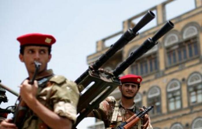 اليمن | المليشيات تُدشن إجراءات جديدة تستهدف وحدات الجيش والأمن في نطاق سيطرتها _تفاصيل