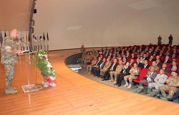 جوزاف عون خلال حفل تكريمي للضباط المتقاعدين: سيبقى الجيش السد المنيع بوجه كل معتد