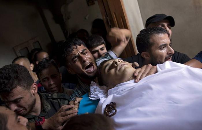 فلسطين | غزة تشيع جثماني شهيدي جمعة ثوار لأجل القدس برفح ودير البلح