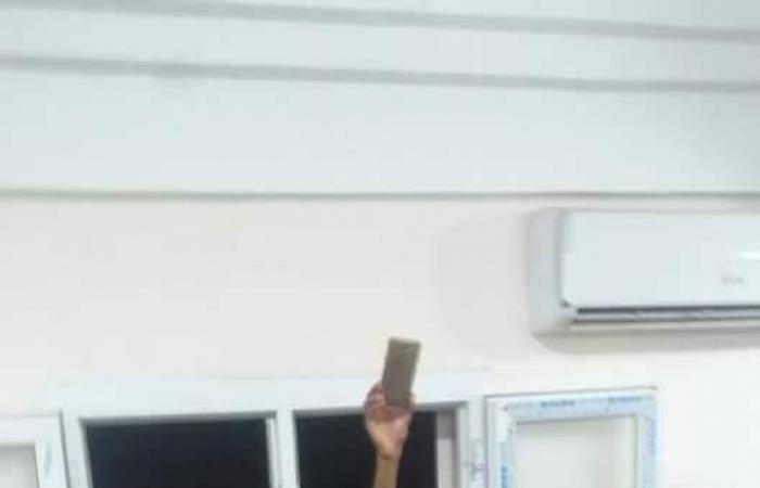 بالصور.. الجيش يطلق سراحوكيل وزارة داخلية حكومة الوفاق