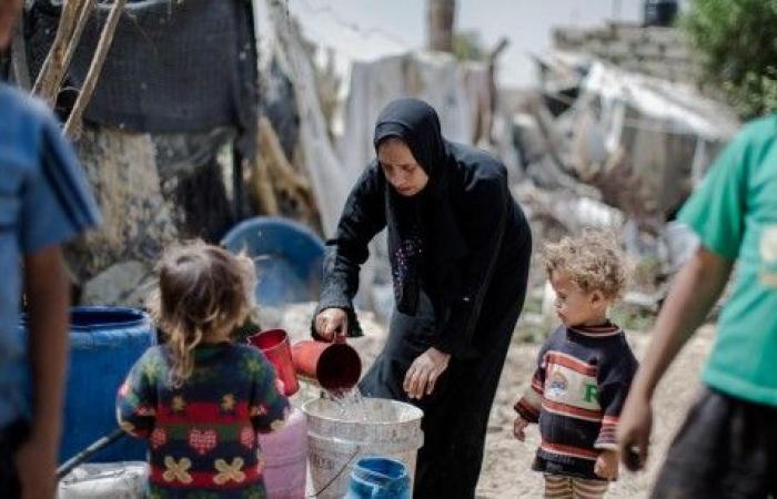 فلسطين | معاريف: الرئيس عباس سيقوم بفرض عقوبات جديدة على قطاع غزة