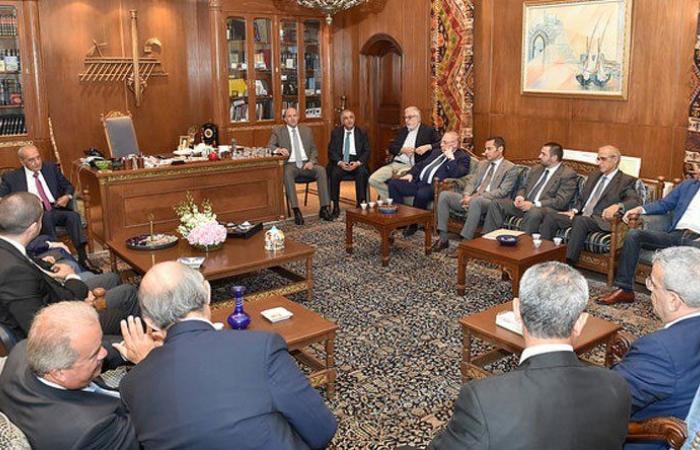 بري في لقاء الأربعاء: المجلس ذاهب الى التشريع وحكومة الوحدة الوطنية بداية الحلول