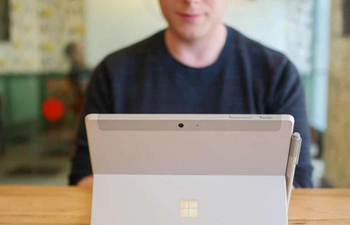 مايكروسوفت تكشف عن أجهزة Surface القادمة في 2 أكتوبر