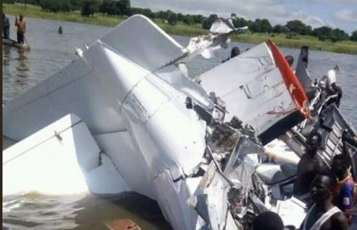 مقتل 19 شخصا في تحطم طائرة بجنوب السودان